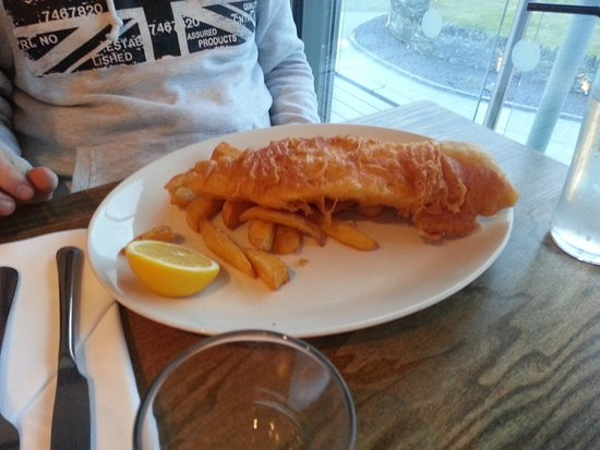 Rhosneigr, UK: cod and a few chips