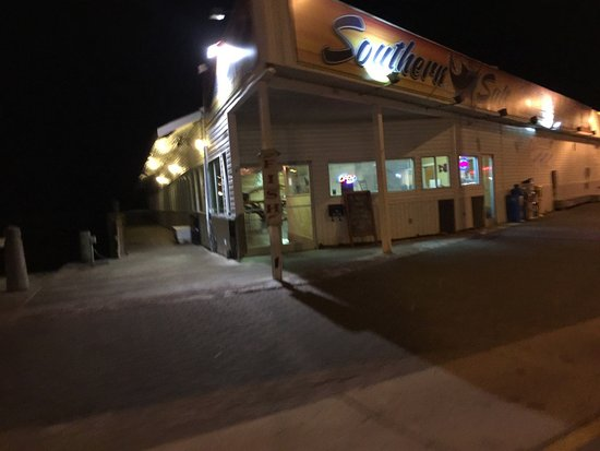 Morehead City, Kuzey Carolina: Exterior at night