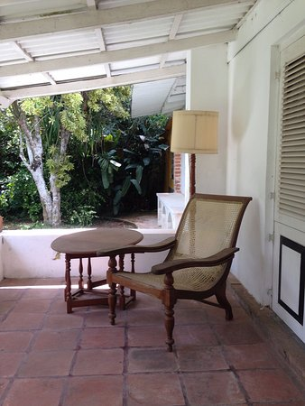 Brief Garden   Bevis Bawa: Veranda