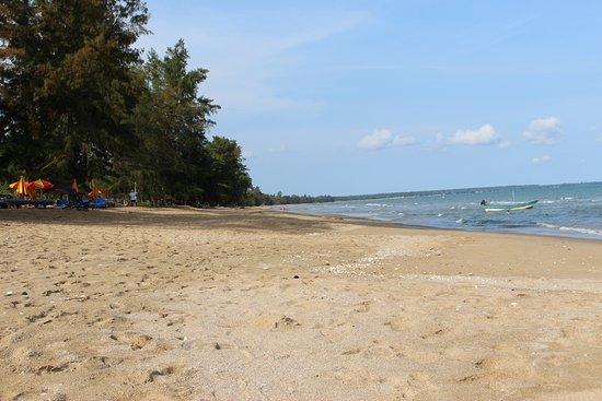 Plage de l 39 h tel paradisiaque picture of coral hotel bangsaphan bang saphan tripadvisor - Image de plage paradisiaque ...