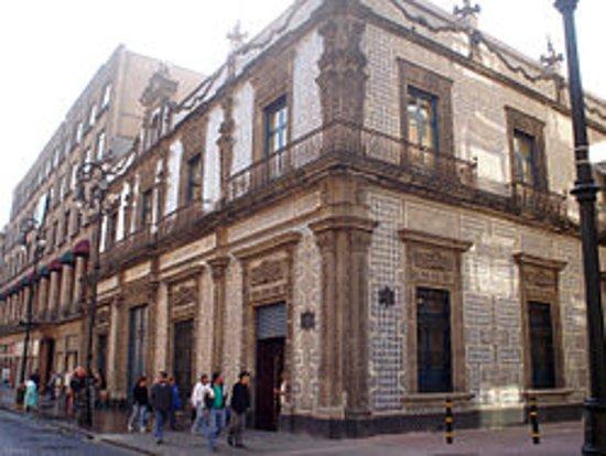 Sanborns de los azulejos madero 4 centro historico cdmx for Sanborns azulejos restaurante