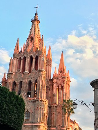 Academia Hispano Americana: Nearby Parroquia, center of San Miguel