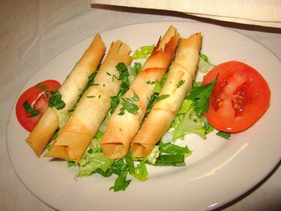 Levittown, Pensilvanya: Turkish Cheese Rolls (Sigara Boregi)