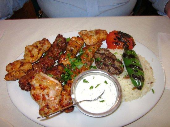Levittown, Pensilvanya: Combo Grill (Karisik Izgara)