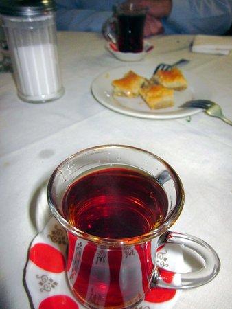 Levittown, Pensilvanya: Turkish Tea & Baklava