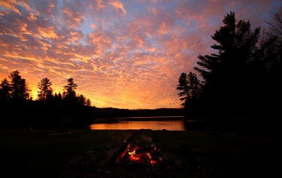 Grenville-sur-la-Rouge, แคนาดา: Lac couché de soleil