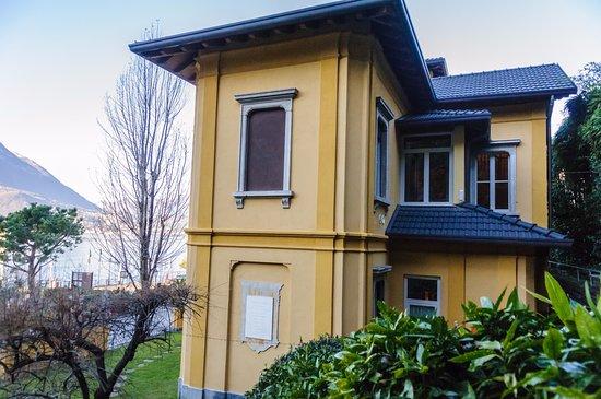 Villa torretta varenna olaszorsz g rt kel sek s for Villa torretta