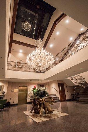 Hall d\'entrée - Picture of Hotel Lac Carling, Grenville-sur-la-Rouge ...