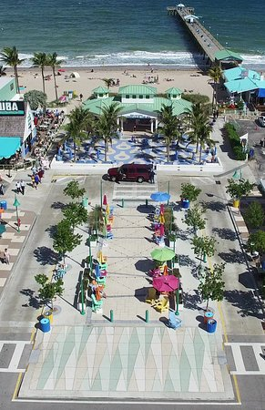 Lauderdale by the Sea, FL: Lauerderdale-By-The-Seas Visitor-Friendly Beachfront