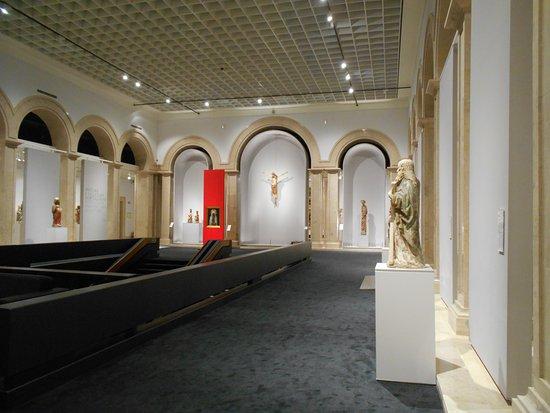 Museu Nacional de Arte Antiga: various sculptures