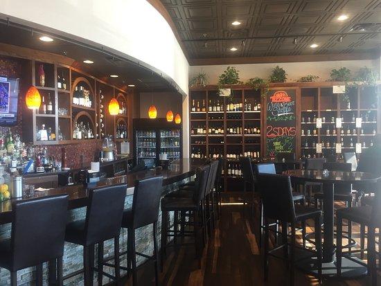 Daleville, VA: Nice bar.