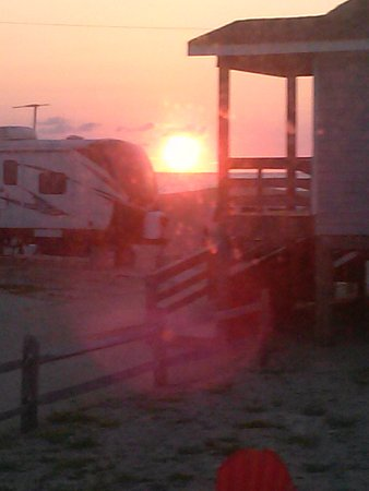 North Beach Campground: Sunrise from our camper