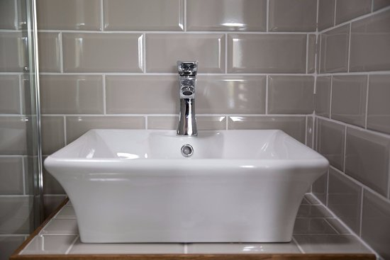 Edington, UK: All rooms have sparkling en-suite bathrooms