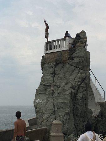 Vista Tours Day Tours: Cliff Divers