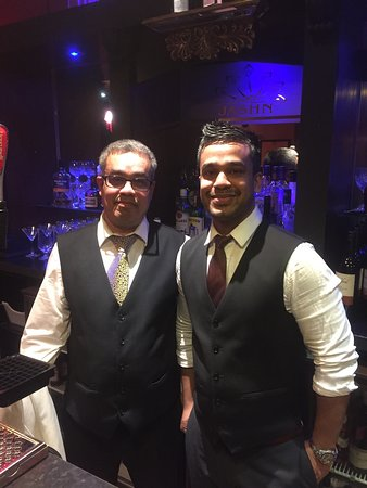 Jashn Restaurant : When i seen these two i knew the nite was gunna be TOP CLASS!!!