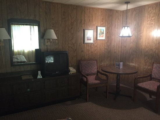 Reed's Lodge: photo1.jpg