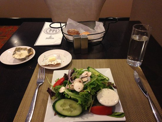 144 Restaurant and Lounge: House salad and the bread basket