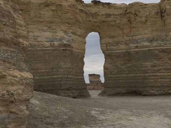 Oakley, KS: Natural arches reveal more stacked rocks