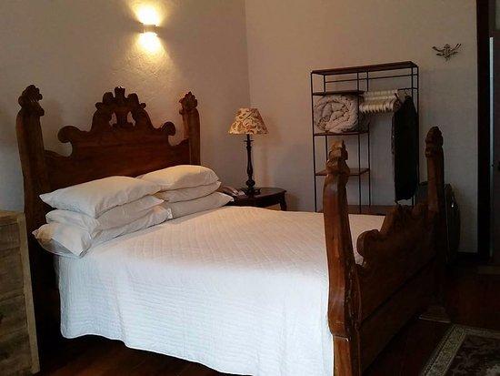 Pousada Pequena Tiradentes: Foto da cama do apto standart