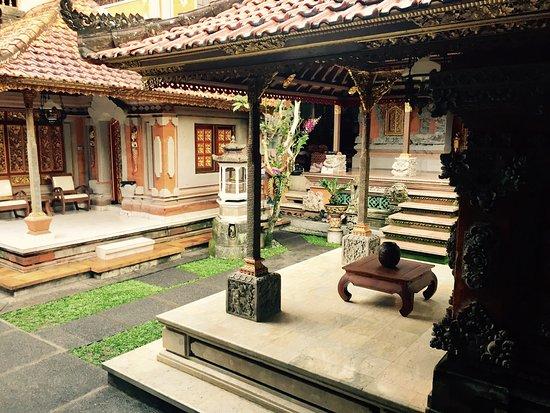 Ketut's Place : Ketut's house , lovely garden also!
