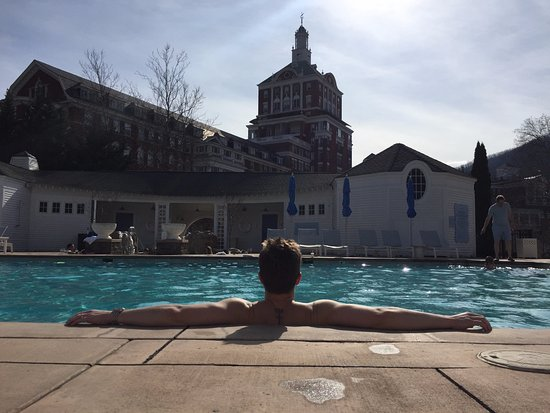 Hot Springs, VA: Early spring at the pool