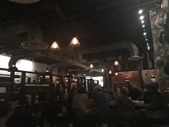 Holland House Bar & Refuge: The scene