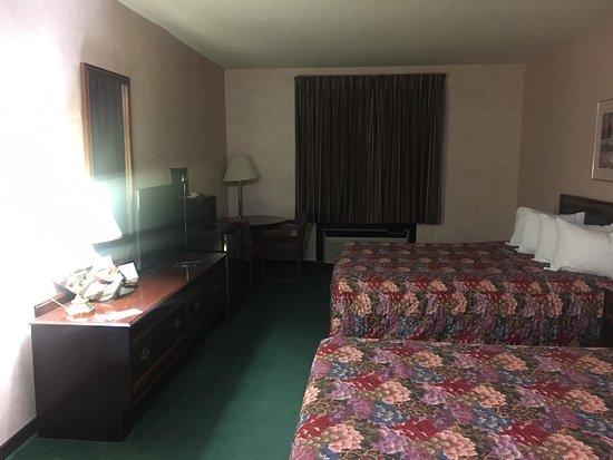 Americas Best Value Inn- Ozark/Springfield: photo1.jpg