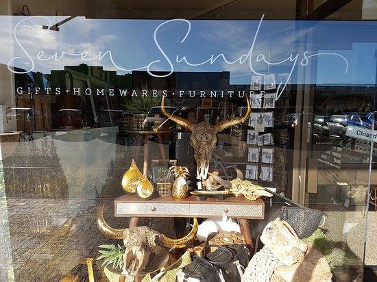 Bairnsdale, Australia: Seven Sundays