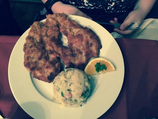 Alpine Haus Restaurant : photo0.jpg