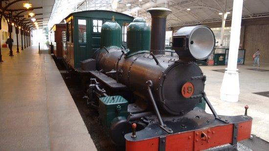 The Railway Museum: Locomotiva na estação.