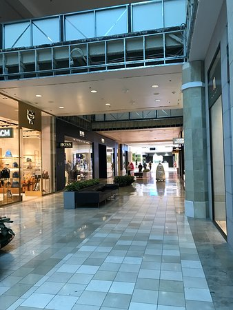 Valley Fair Mall Eyexam of CA is the local eye doctor to see for all of your eye care needs in Santa Clara, CA. As your local Santa Clara optometrist, Valley Fair Mall Eyexam of CA can help diagnose, treat, and detect subtle changes in your eyes year over year/10(1).