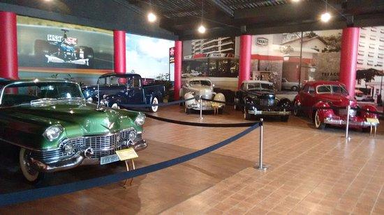 The Automobile Museum: Antigos.