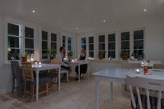 Sunne, Suecia: Veranda. Frukostmatsal