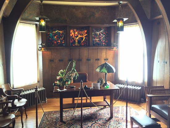 Yawkey House Museum: Man cave - Tiffany glass in the window behind the desk!