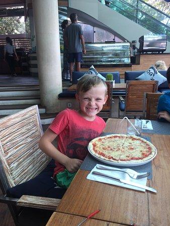 Seaside Restaurant Legian: Pizza's are SO big but Yummo