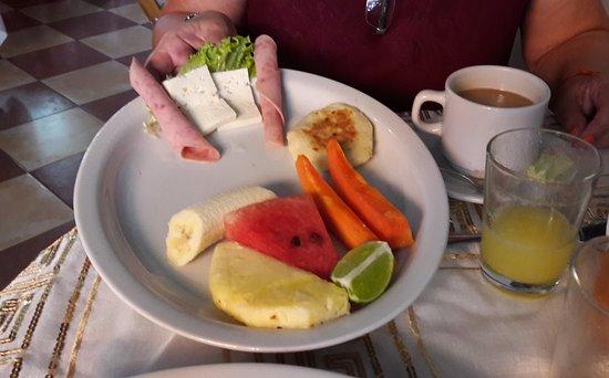 Hotel 3 Banderas: desayuno.....