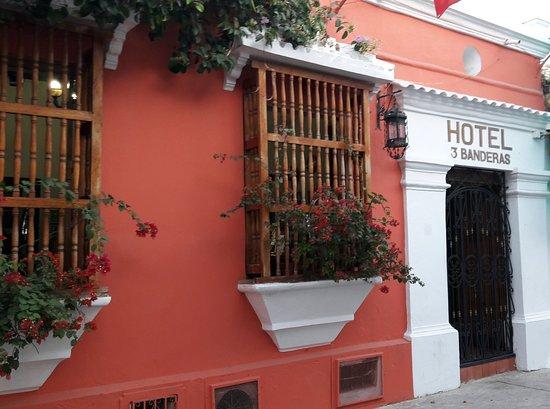 Hotel 3 Banderas-bild