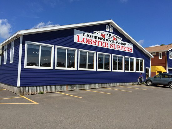 Fisherman's Wharf Lobster Suppers: This is what the back of the restaurant looks like
