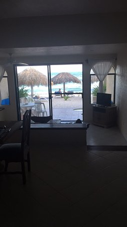 Villas DeRosa Beach Resort: Real Mexico with a view and hospitality. Love this place. The snorkeling Is easy with the curren