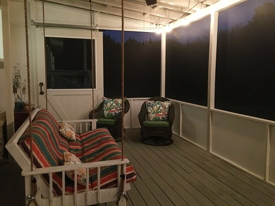 Wimberley, TX: Evening on the Screened Porch