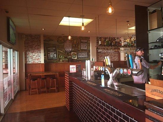 Crowded House Bar & Cafe: photo5.jpg
