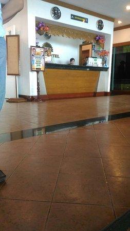 Days Hotel Tagaytay: TA_IMG_20170315_142158_large.jpg