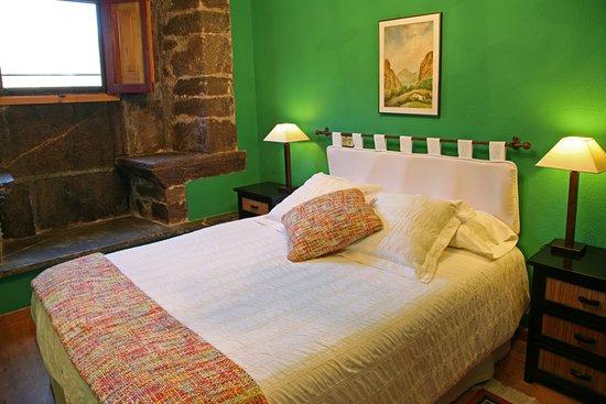Pola de Somiedo, Spagna: Detalle dormitorio habitación