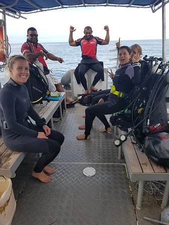 SPAD: South Pacific Adventure Divers: Dive Mistress Mel with her team.