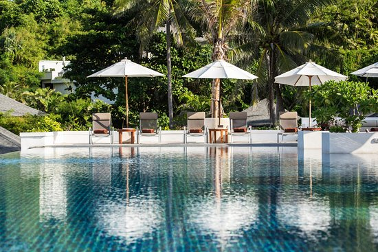 The Racha: Main Infinity Pool