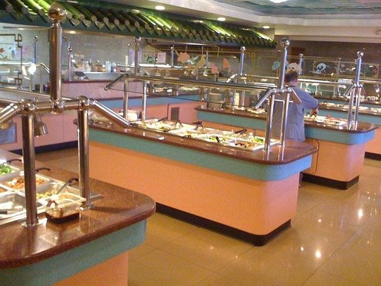 Manteca, CA: Super Buffet .... lots of dishes to choose from .... fresh food ...