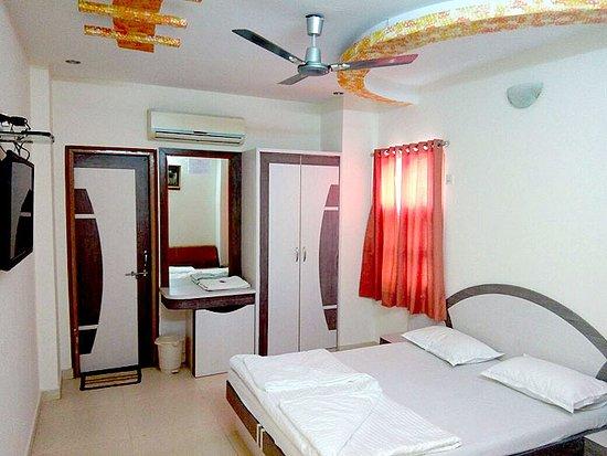 Sudarshan Hotel