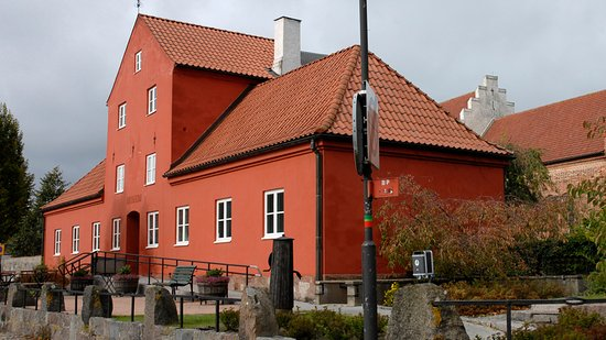 Ahus, Szwecja: Åhus museum from the outside.