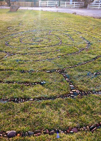 Rockville, UT: River rock and lawn labyrinth.