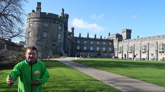 Kilkenny Cycling Tours: Tour guide Jason telling us about Strongbow and Kilkenny castle